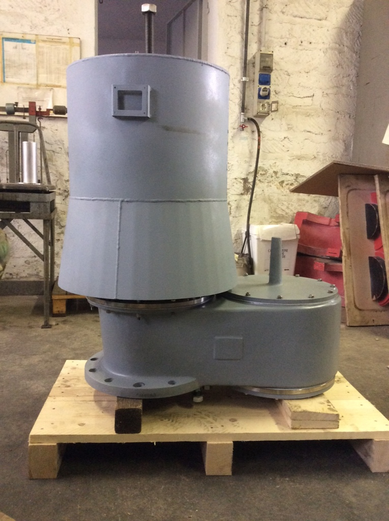 spring loaded pressure vacuum release valve